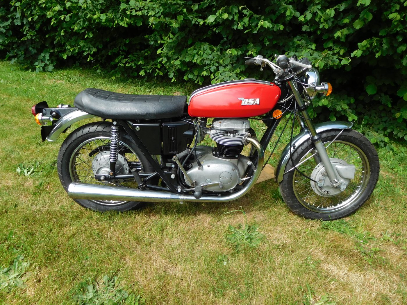 49-BSA-THUNDERBOLT-1972